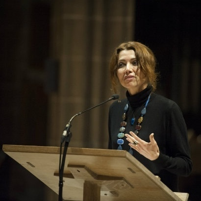 Image of Elif Shafak delivering the Gaiea Manchester Sermon