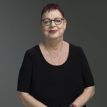 Head and shoulders shot of comedia and author Jo Brand